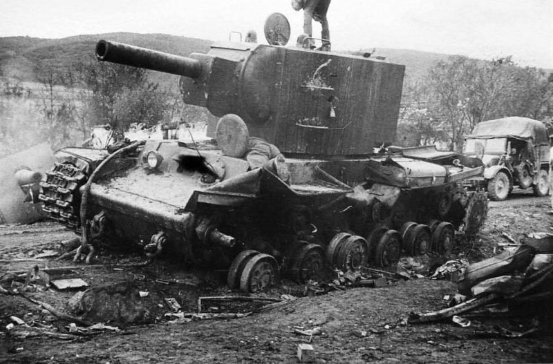 destroyed_russian_kv_2_tank_2.4ax7zvuzh3i8ggcssckw8w0kc.ejcuplo1l0oo0sk8c40s8osc4.th