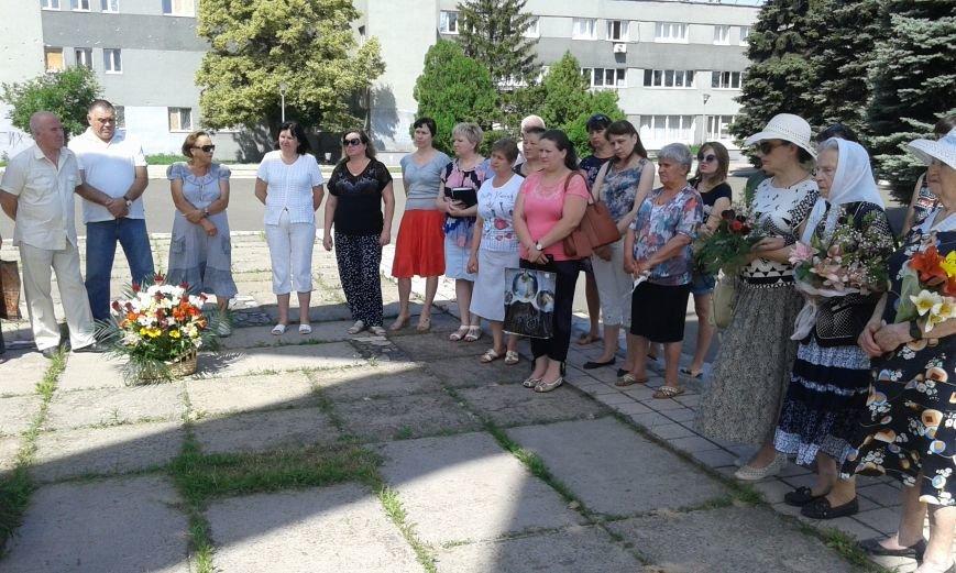В Авдеевке почтили память жертв войны в Украине (ФОТО), фото-1