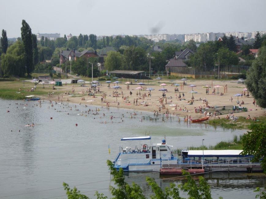 Фотофакт: Купатись на Центральному пляжі заборонено, фото-1