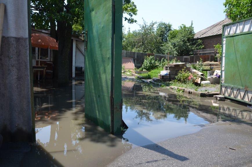 В Мариуполе фекалии ломали заборы, уничтожали огороды и затопили несколько частных домов (ФОТО+ВИДЕО), фото-9