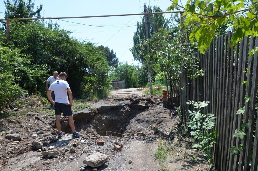 В Мариуполе фекалии ломали заборы, уничтожали огороды и затопили несколько частных домов (ФОТО+ВИДЕО), фото-29