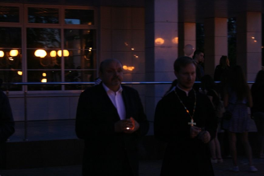 "В Троицке прошёл патриотический флешмоб ""Свеча Памяти"", фото-2"
