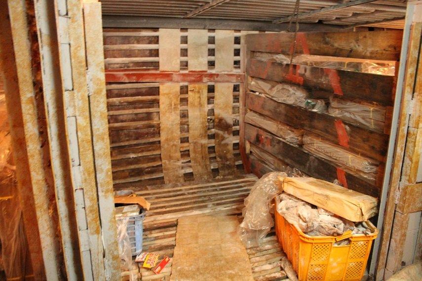 За незаконную добычу краба у берегов Сахалина задержаны две рыболовецкие шхуны, фото-3