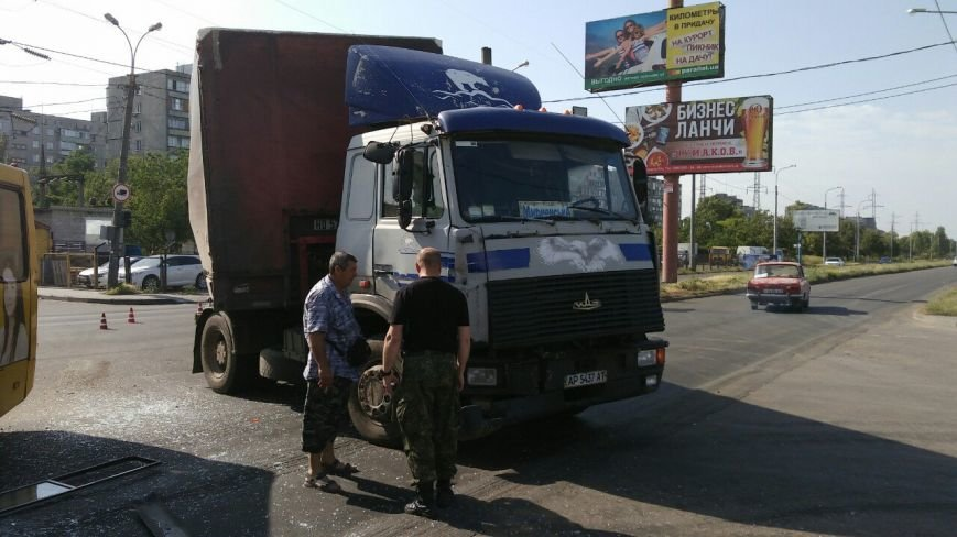 В Мариуполе столкнулись автобус, фура и маршрутка. Пострадало 16 человек (ДОПОЛНЕНО+ФОТО), фото-6
