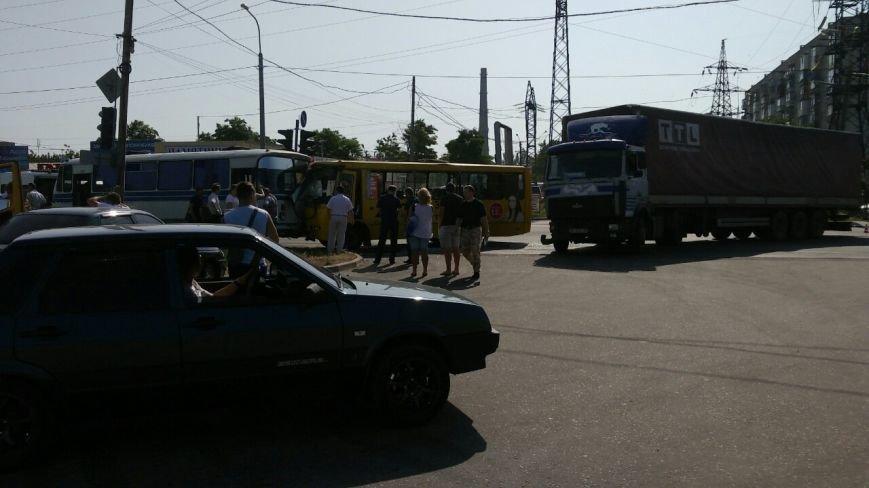 В Мариуполе столкнулись автобус, фура и маршрутка. Пострадало 16 человек (ДОПОЛНЕНО+ФОТО), фото-3