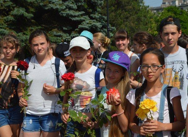 «Это нужно не мёртвым, это нужно живым»: в Черноморске прошла траурная церемония памяти жертв войны (+фото), фото-1