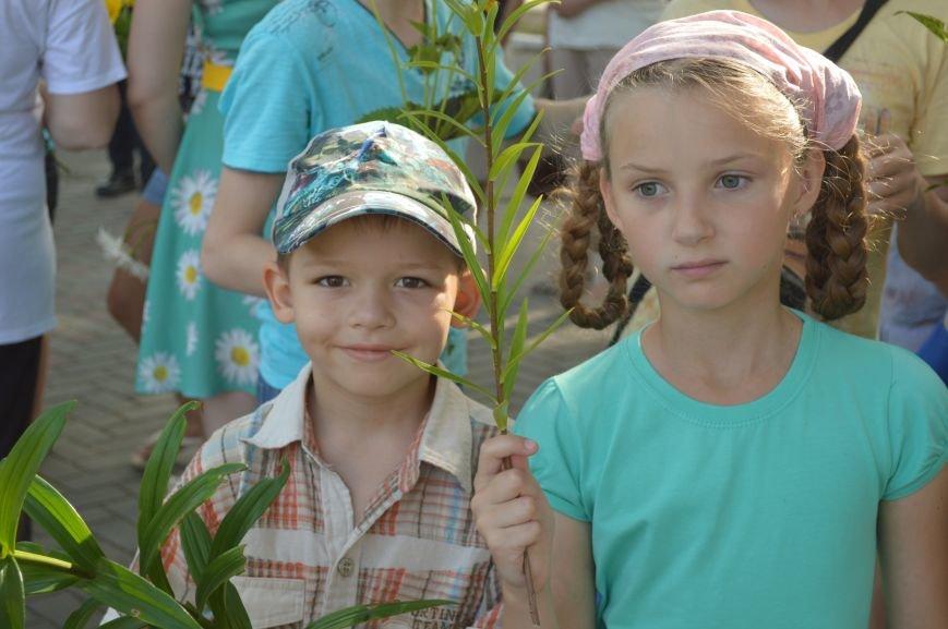 В Северодонецке прошел митинг-реквием по случаю Дня скорби и чествования памяти жертв войны в Украине (ФОТО), фото-2
