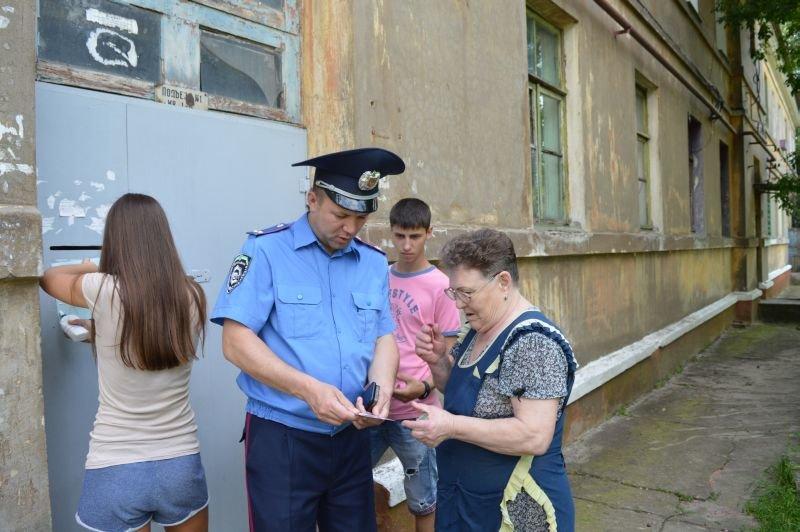 Жителей Краматорска познакомили с участковыми, фото-4