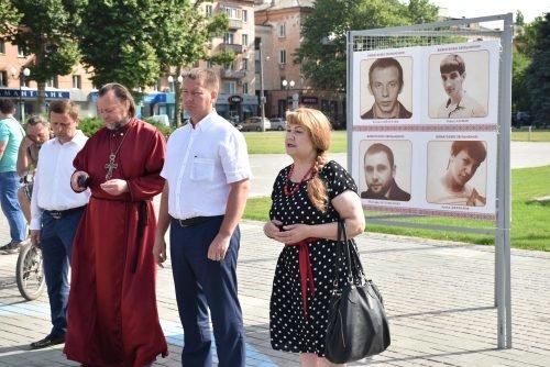 В Херсоне требовали освободить незаконно осужденных в России (фото), фото-3