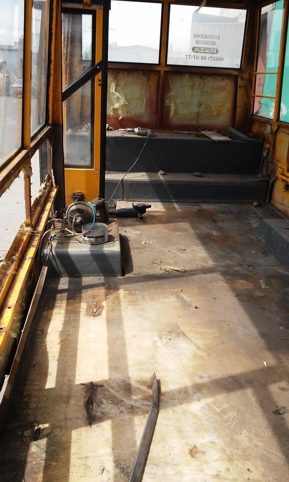 Краматорскому АТП 11410 не хватает специалистов по ремонту автобусов, фото-1