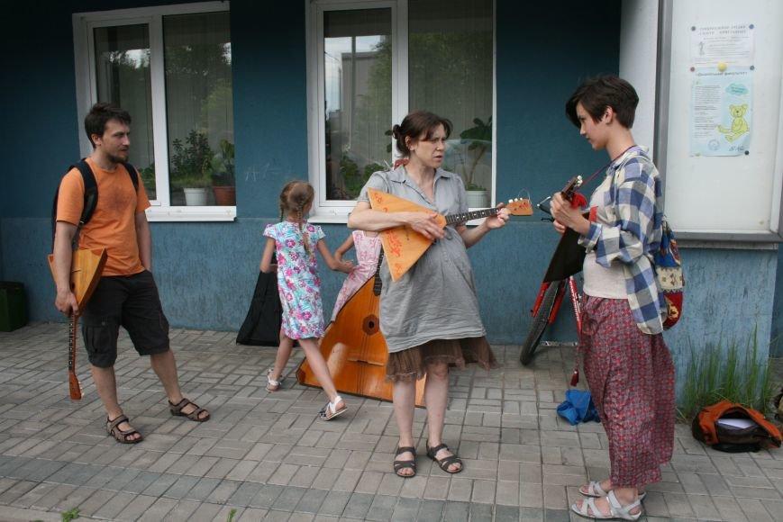 В Троицком Доме Учёных играли на балалайках, фото-2