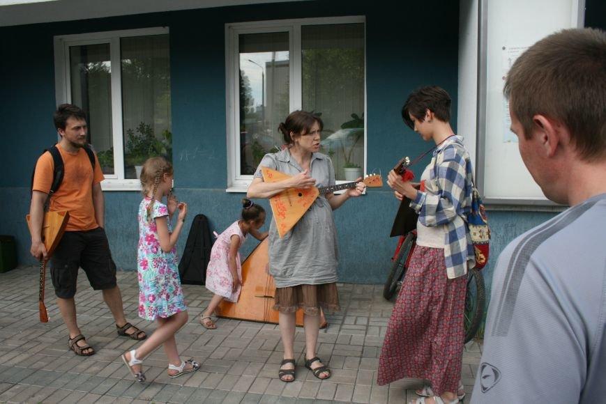В Троицком Доме Учёных играли на балалайках, фото-3