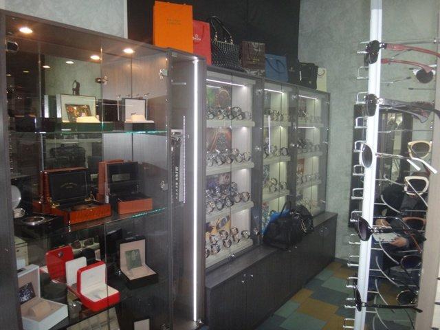 В Ростове продавали поддельные Rolex и Louis Vuitton, фото-3