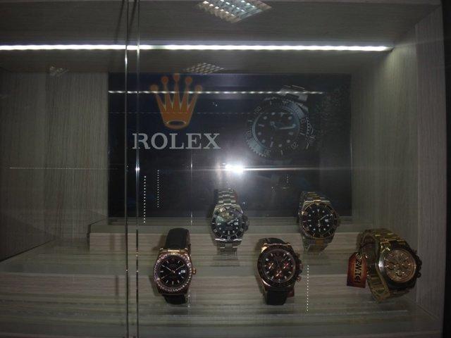 В Ростове продавали поддельные Rolex и Louis Vuitton, фото-4