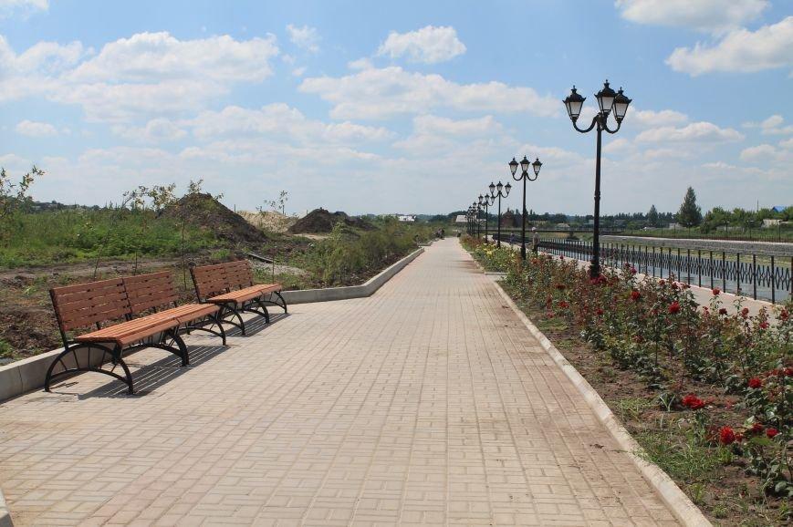 На набережной Бахмутки устанавливают скамейки (ФОТОФАКТ), фото-1