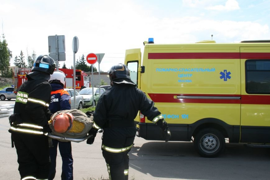 В Троицке прошло пожарно-тактическое учение на ДТП с бензовозом, фото-6
