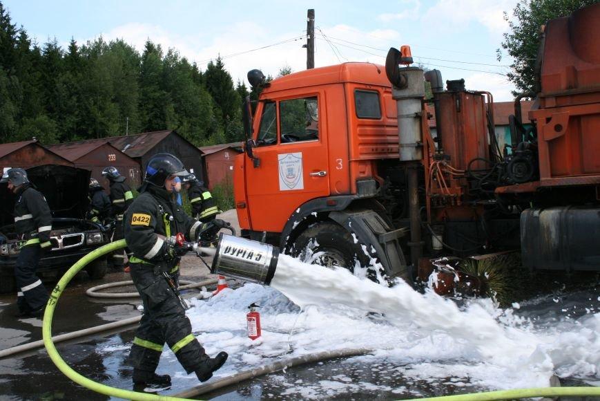 В Троицке прошло пожарно-тактическое учение на ДТП с бензовозом, фото-4