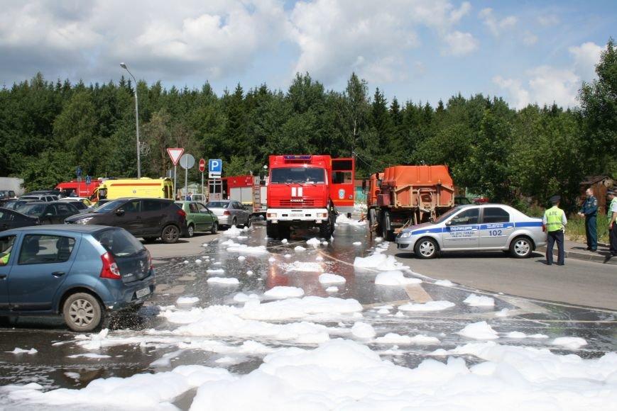 В Троицке прошло пожарно-тактическое учение на ДТП с бензовозом, фото-9
