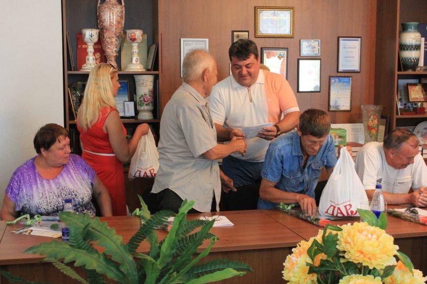 В Часов Яре слова благодарности выразили представителям ОСН за их многолетний труд, фото-6