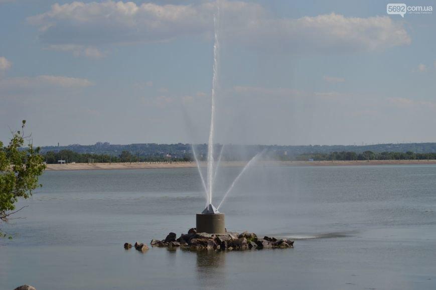 Накануне Дня молодежи в Каменском открыли фонтан и левобережный пляж, провели концерт и патриотический квест, фото-9