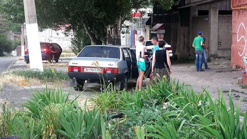 В Мариуполе пьяный водитель влетел в металлический забор (ФОТО), фото-10