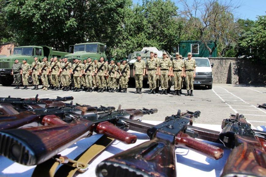 В Херсоне новобранцам-пограничникам вручили оружие (фото), фото-3