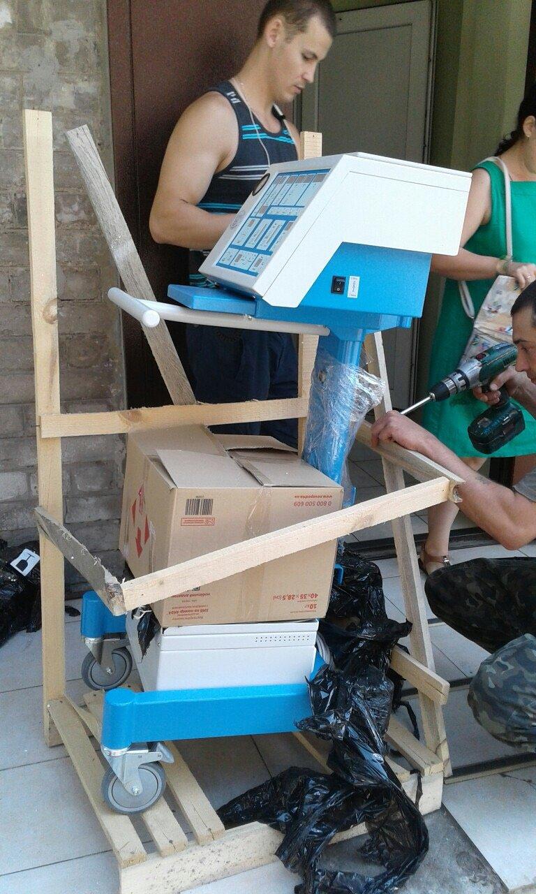 В Бахмутскую больницу привезли аппарат ИВЛ, фото-3