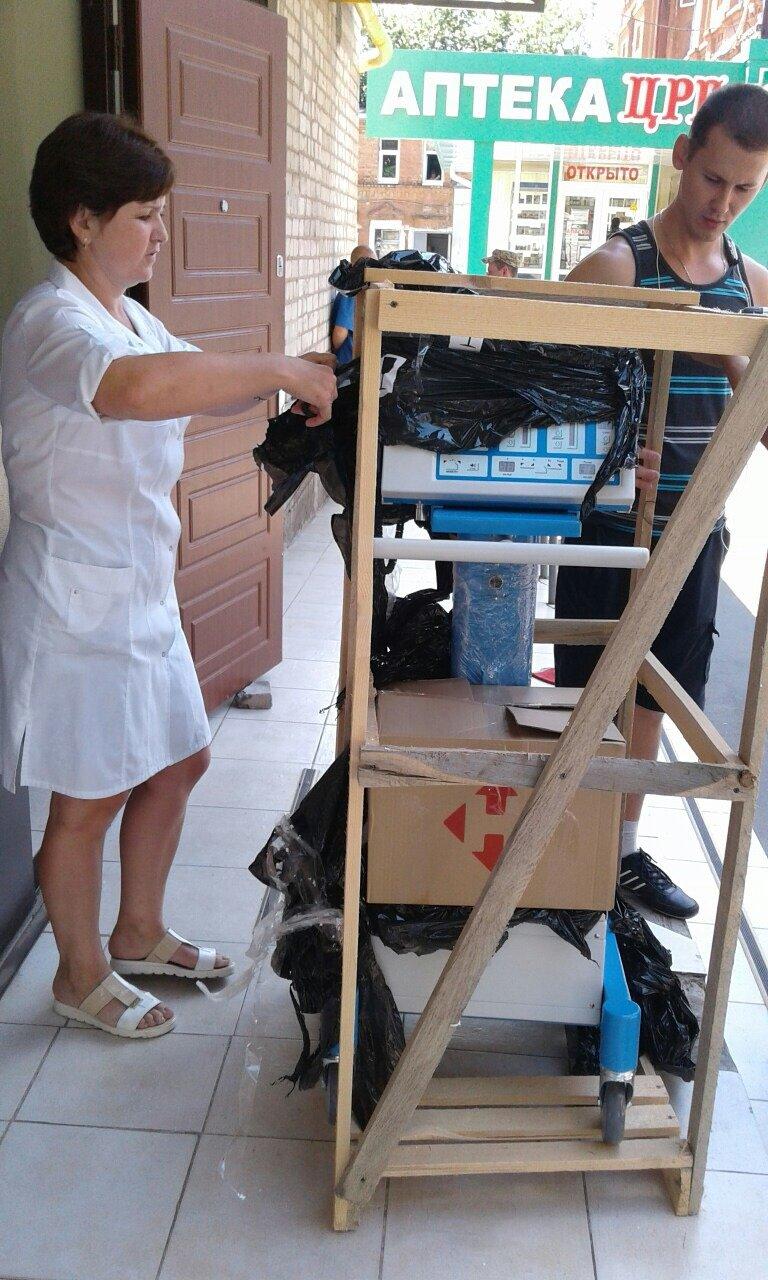 В Бахмутскую больницу привезли аппарат ИВЛ, фото-2