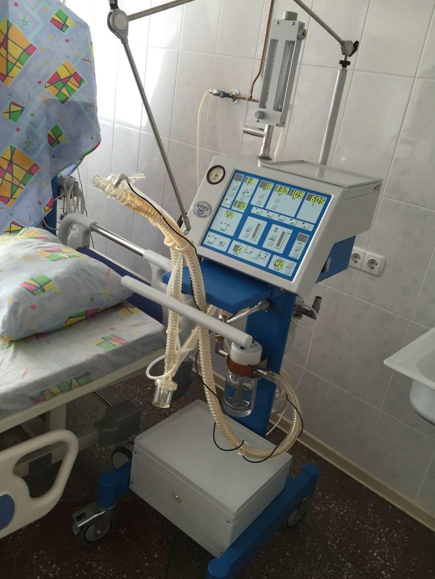 В Бахмутскую больницу привезли аппарат ИВЛ, фото-4