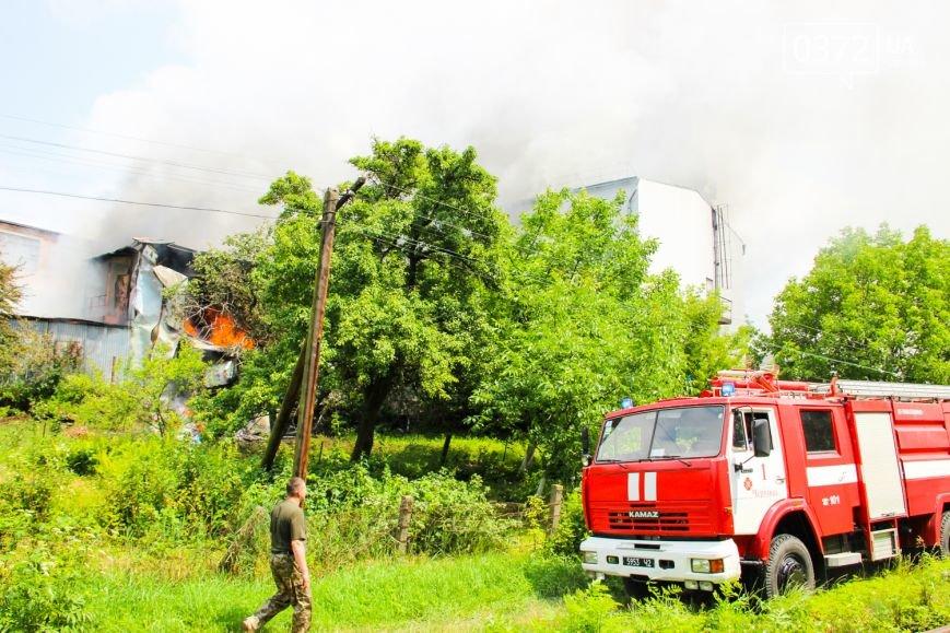 """Позаду приміщення """"Чернівцігаз"""" спалахнула масштабна пожежа(ФОТО), фото-7"""