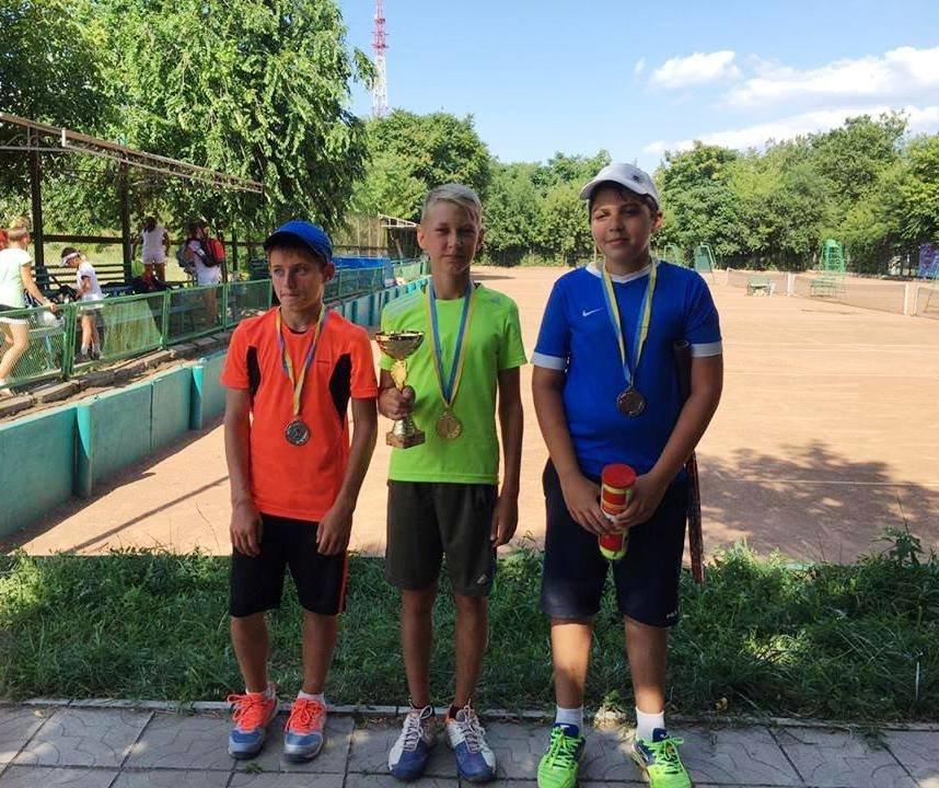 В Херсоне детский турнир по теннису открывали лучшие спортсмены (фото), фото-2