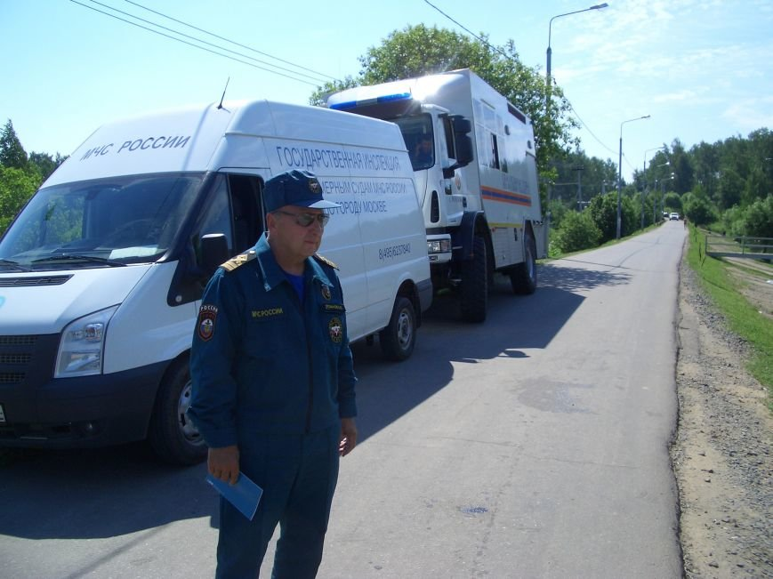 Спасатели МЧС напомнили о правилах безопасности отдыхающим Заречья, фото-1