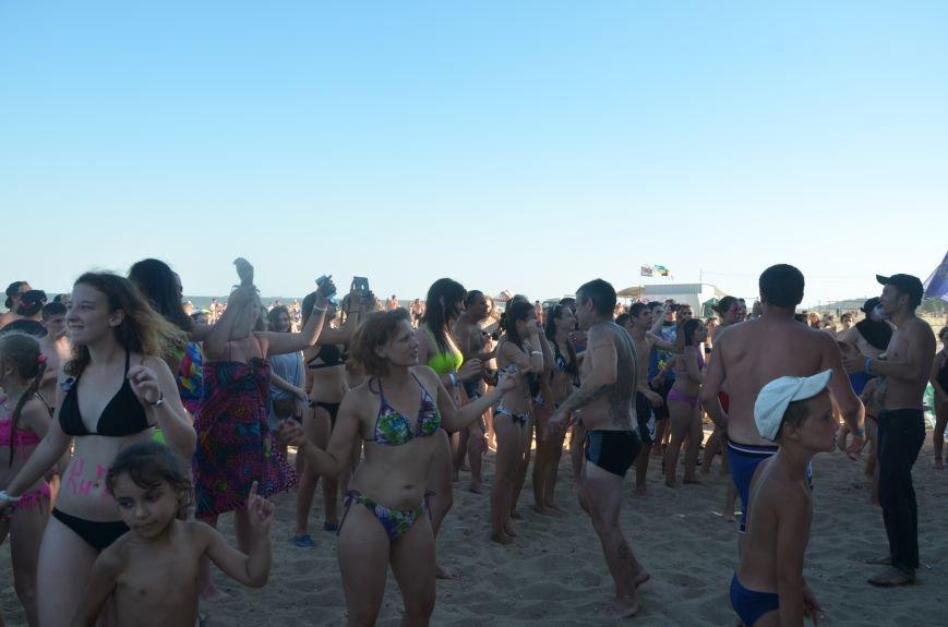 """В Мариуполе молодые вокалисты """"зажгли"""" на пляже поселке Песчаный (ФОТО+ВИДЕО), фото-2"""