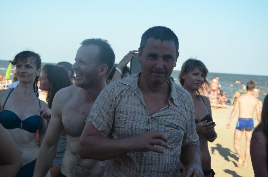 """В Мариуполе молодые вокалисты """"зажгли"""" на пляже поселке Песчаный (ФОТО+ВИДЕО), фото-4"""