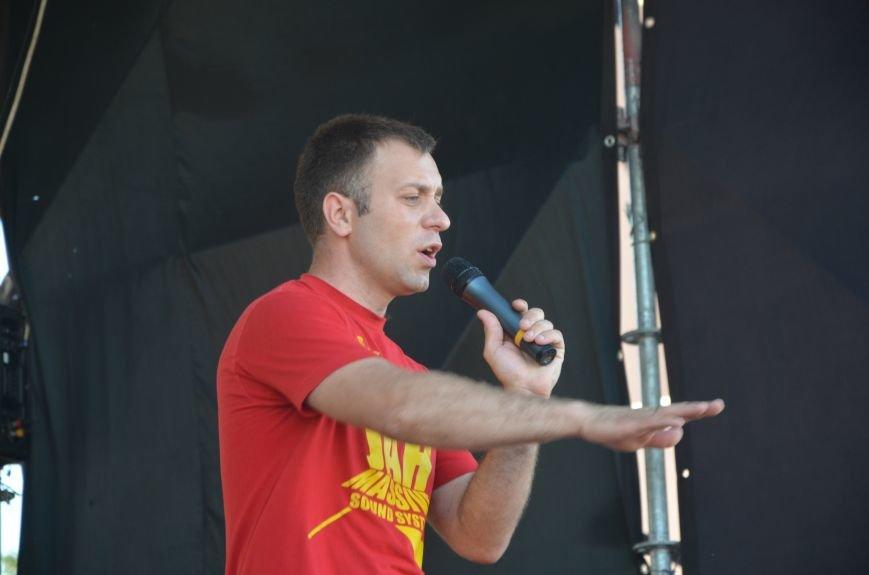 """В Мариуполе молодые вокалисты """"зажгли"""" на пляже поселке Песчаный (ФОТО+ВИДЕО), фото-11"""