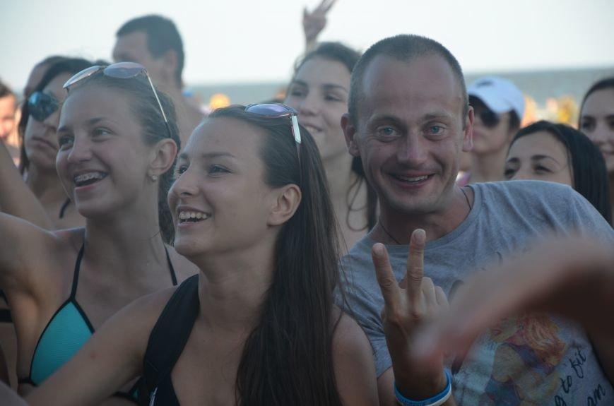 """В Мариуполе молодые вокалисты """"зажгли"""" на пляже поселке Песчаный (ФОТО+ВИДЕО), фото-14"""