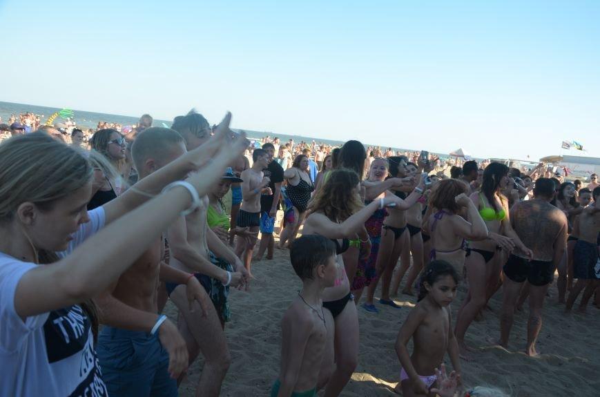 """В Мариуполе молодые вокалисты """"зажгли"""" на пляже поселке Песчаный (ФОТО+ВИДЕО), фото-6"""