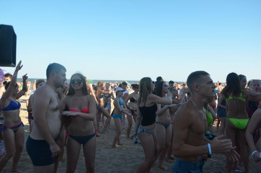 """В Мариуполе молодые вокалисты """"зажгли"""" на пляже поселке Песчаный (ФОТО+ВИДЕО), фото-3"""