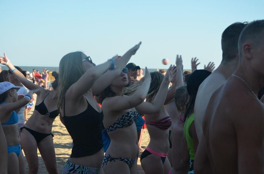 """В Мариуполе молодые вокалисты """"зажгли"""" на пляже поселке Песчаный (ФОТО+ВИДЕО), фото-5"""