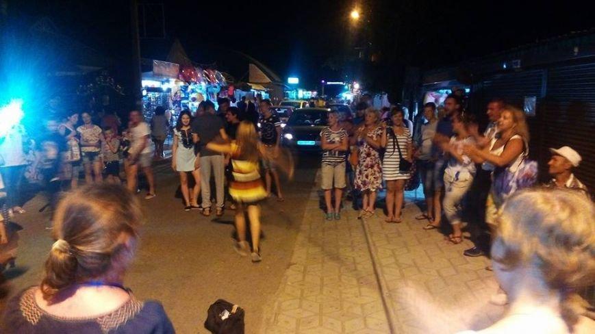 В Урзуфе вблизи Мариуполя молодежь со всей Украины установила рекорд в вышиванках (ФОТО), фото-4