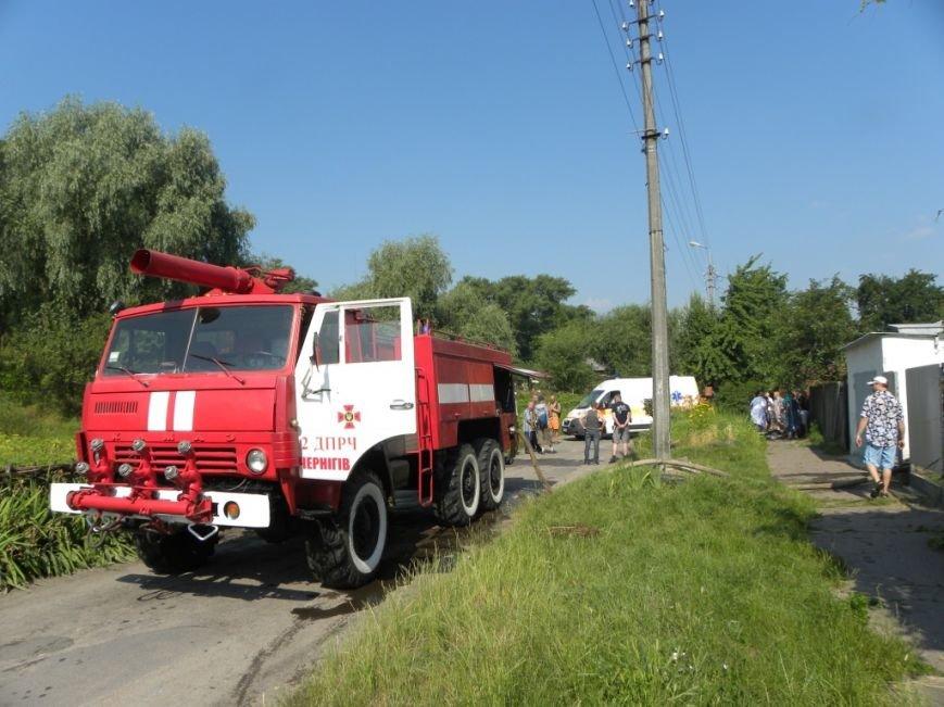 Черниговские пожарные вытащили 90-летнюю пенсионерку из горящего дома, фото-1
