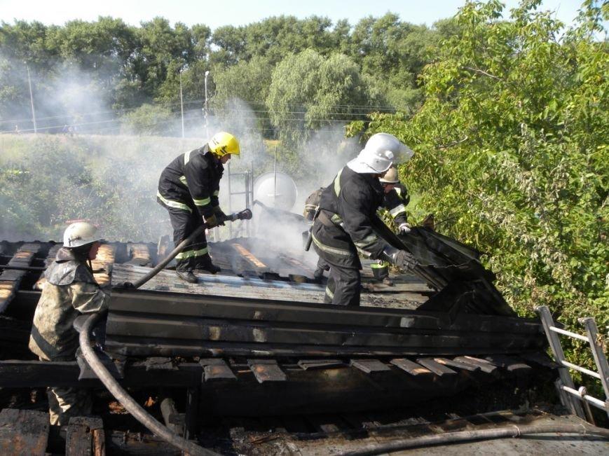 Черниговские пожарные вытащили 90-летнюю пенсионерку из горящего дома, фото-3