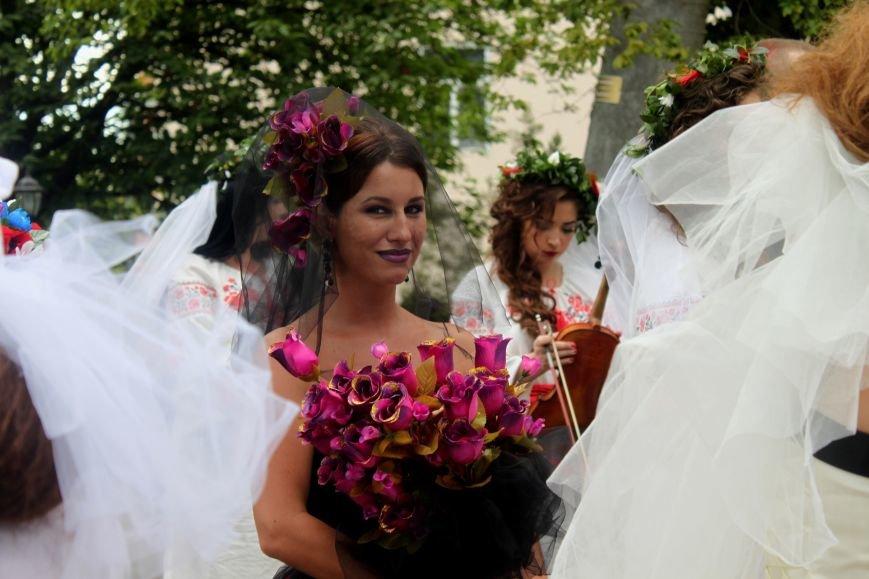 """В Ужгороді пройшов """"Парад наречених"""": фоторепортаж, фото-12"""