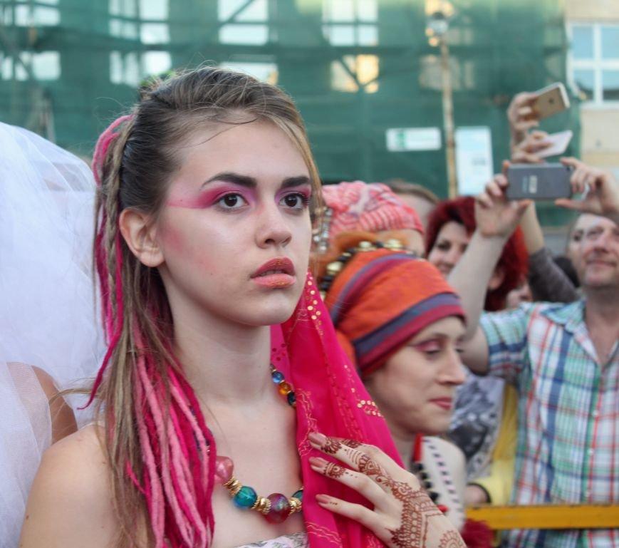"""В Ужгороді пройшов """"Парад наречених"""": фоторепортаж, фото-35"""
