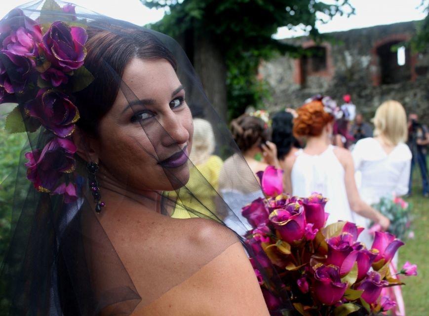 """В Ужгороді пройшов """"Парад наречених"""": фоторепортаж, фото-19"""