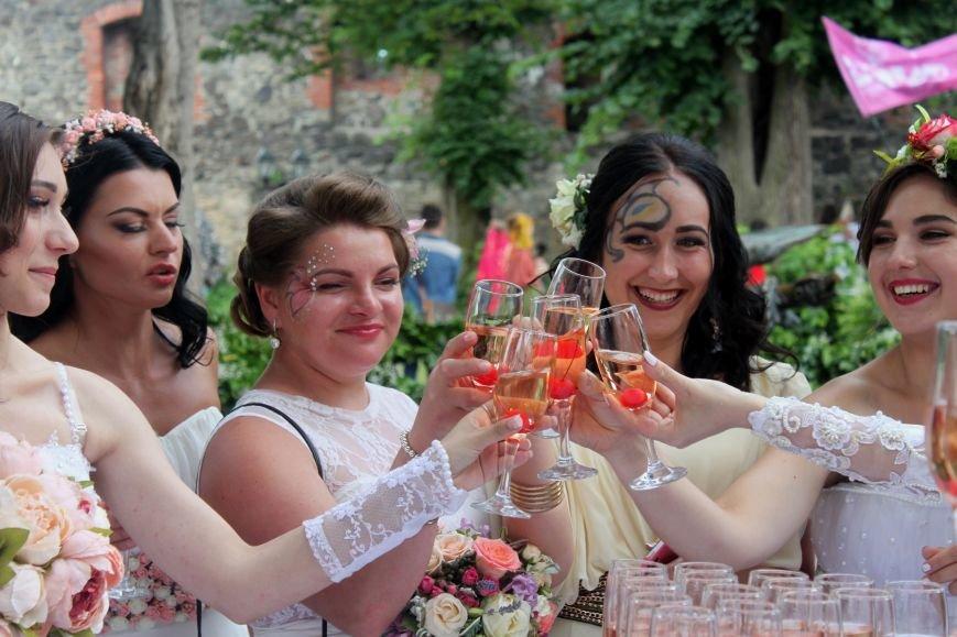 """В Ужгороді пройшов """"Парад наречених"""": фоторепортаж, фото-26"""