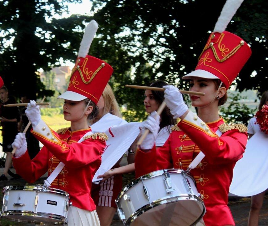 """В Ужгороді пройшов """"Парад наречених"""": фоторепортаж, фото-32"""