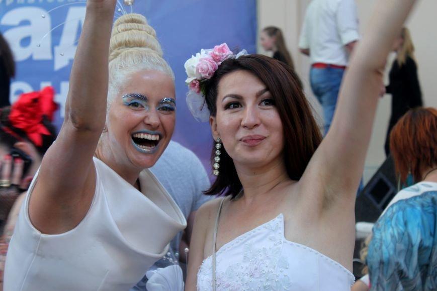 """В Ужгороді пройшов """"Парад наречених"""": фоторепортаж, фото-34"""