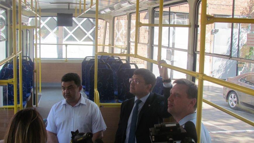 Мэр Мариуполя покатался на новом трамвае (ФОТО), фото-1