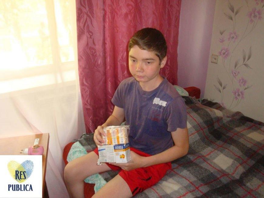 Киевские волонтеры передали дорогостоящие лекарства для авдеевцев(ФОТО), фото-2